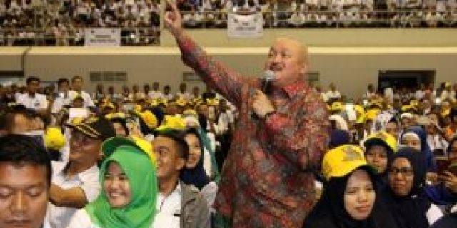 Gubernur Serahkan Puluhan Ribu SK Honor Guru di Sumsel