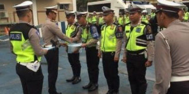 5 Personil Satlantas Polresta Palembang Terima Reward