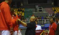 Alex Kalungkan Medali Perak kepada Tim Takraw Indonesia