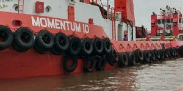 ABK Kapal Momentum 10 Jayus Terpeleset Ke Sungai Musi