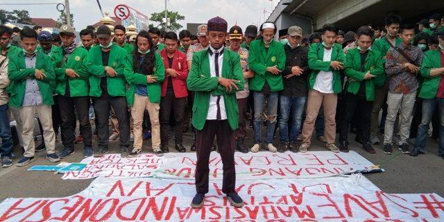Massa AMM Salat Ghaib Bersama Polisi