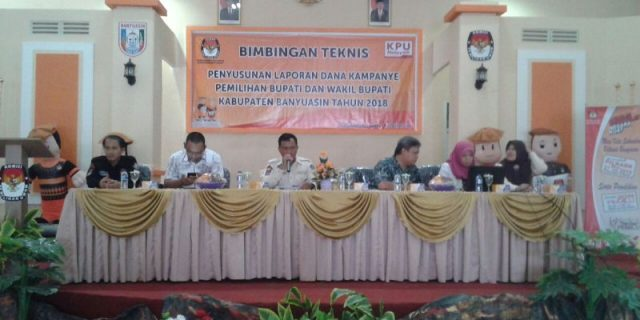 Ketua KPU Banyuasin, Dahri M.PdI, memimpin kegiatan acara.