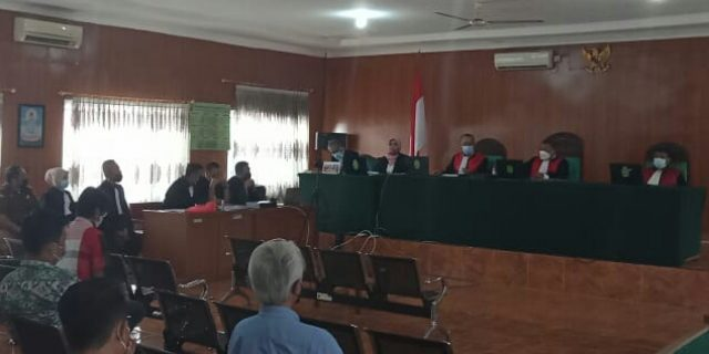 Mantan Bupati Dituntut 10 Tahun Penjara