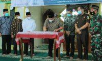 Bupati Safari Jum'at di Keluang dan Resmikan Masjid