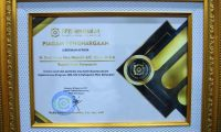 Bupati DRA Dianugerahi Penghargaan